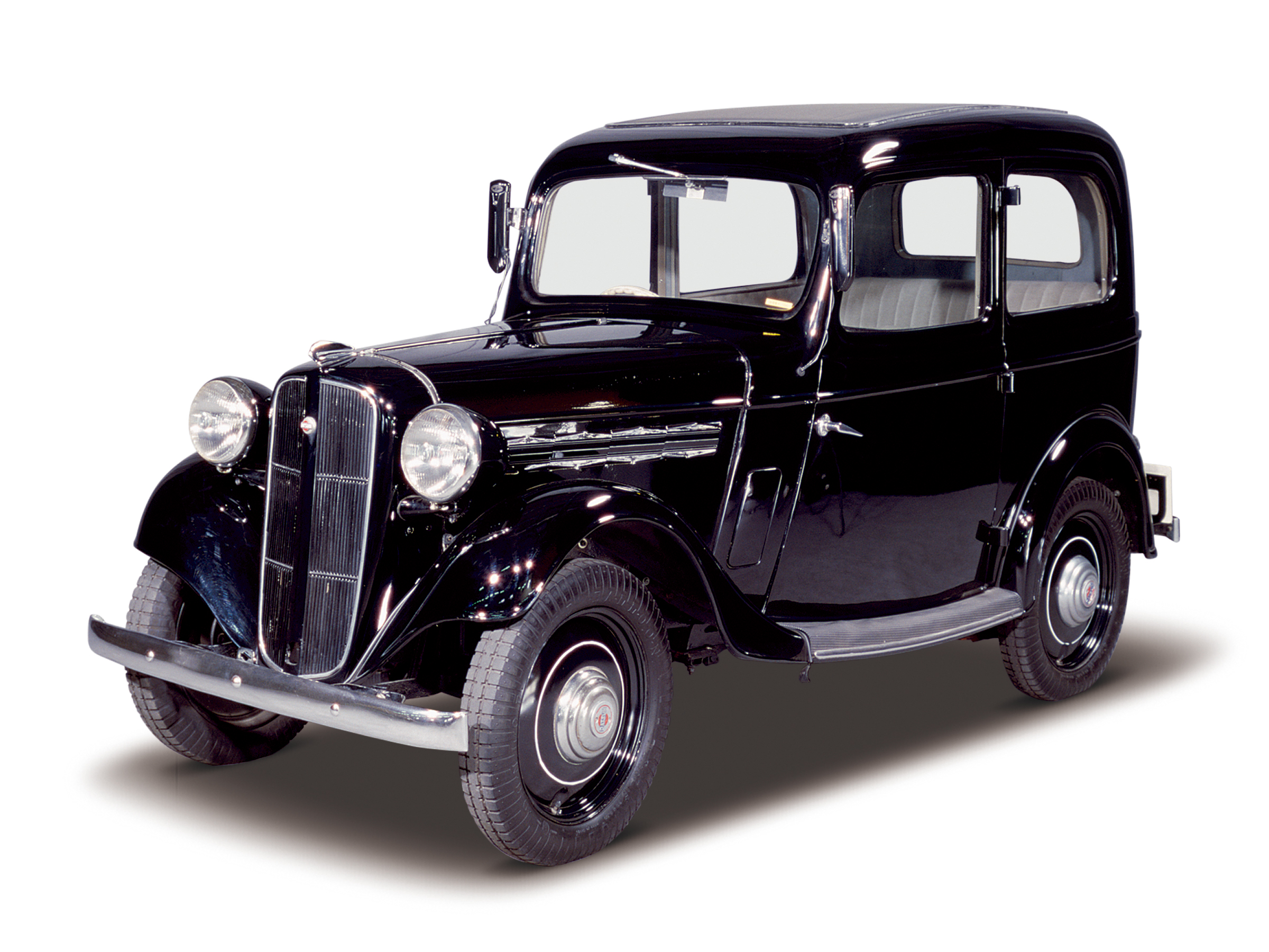 Nissan Heritage Collection Datsun 17 Sedan